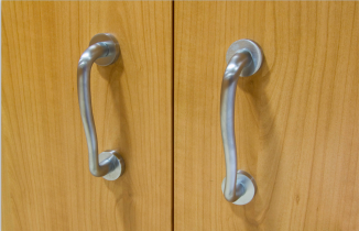 Tirador de puerta corredera