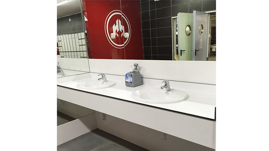 Repisa lavabos a medida con faldon